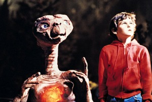Elliot and E.T. wait for the arrival of his ship