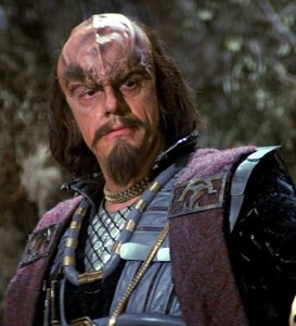 Before Doc Brown, would you believe that Christopher Lloyd knew some Klingon?