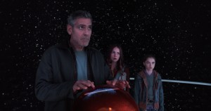 George Clooney tries to find a solution to save the Earth and the crumbling utopia...but can't find one for the movie